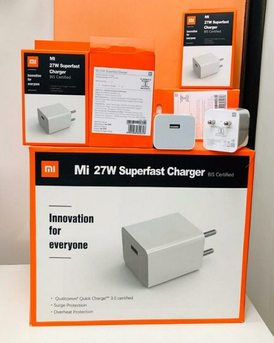 White 27W Superfast Charger Dock