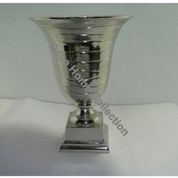 Aluminium Silver Designer Flower Vase, Shape: Round Shaped, Packaging Type: Box