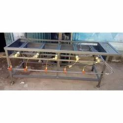 5 Cast Iron Commercial Five Burner LPG Stove, Features: Rust Proof, for Hotel
