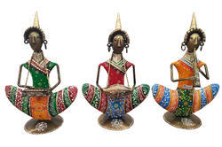 Shubham Arts Multicolor Hand Painted Iron Table Decor Musician Set Of 3