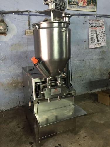 Bhavani Semi Automatic Chyawanprash Filling Machine, Capacity: 20 - 30 Jar Per Minute, 2kw