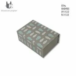 Magnet gift box - coffee brown, sky blue pineapple and off-white fish print