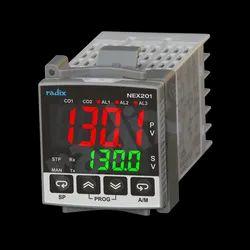 Universal Input Programmable PID Controllers NEX201