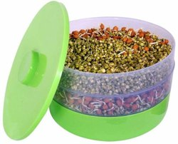 Transparent Plastic Sprout Maker with 3 compartment, Round Box