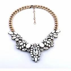 Women Brass,Crystal And Beads Stylish Necklace, Packaging Type: Box, 100-200 Gram