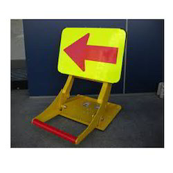 Directional Signs, Dimension: 200 To 300mm