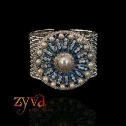 Zyva Ladies Artificial Pearl Fancy Bracelet