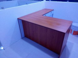 Wooden Godrej Office Table, Brown