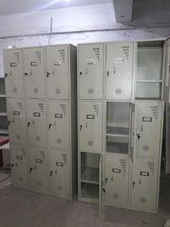 Mobile Locker 9 Door