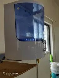 Covid 19 Fully Automatic Hand Sanitizer Dispenser .