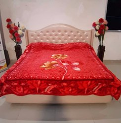 Double Bed Diamond Red Blankets