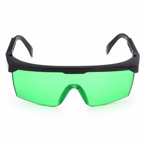 Protective Eyewear Goggles, Packaging Type: Box