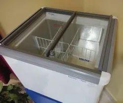 Swing Door Voltas 120ltr Glass Top Deep Freezer, Capacity: 100 L, -18 To -22 Degree