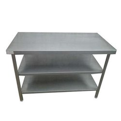 Sara Refrigeration Silver Stainless Steel Working Table, For Hotel, Size: 42*20*32