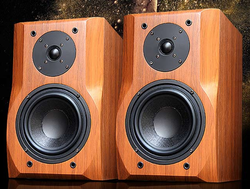 SOUND KING F-30 Bookshelf Speaker with 20-150WATTS RMS 4OHMS MDF & PVC Coating Box Amplifier Needed
