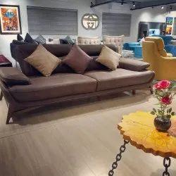 Varchasva Sofa's Wooden Living Room Sofa Set, Hall, Seating Capacity: 5 Seater