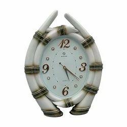White Look Unique Designer Wall Clock Decorative Gift Item