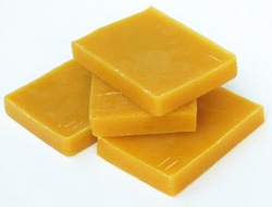 Natural Beeswax, Packaging Type: Polybag, Pack Size: 5 Kg Slab