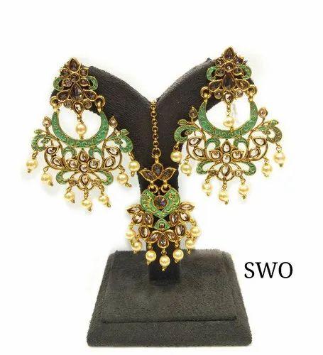 Women Gold Plated Fashion Earring SWO