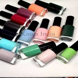 Multi color Nail Polish, Export Quality, Packaging Size: 5 Ml To 15 Ml