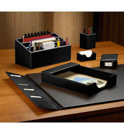 Crazy Leather, Plastic Leather And Wooden Office Tabletops