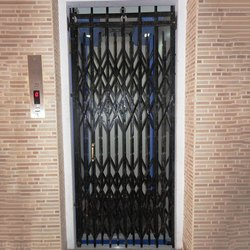Residential MS Collapsible Gate