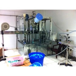 Water Bottle Rinsing, Filling and Capping Machine