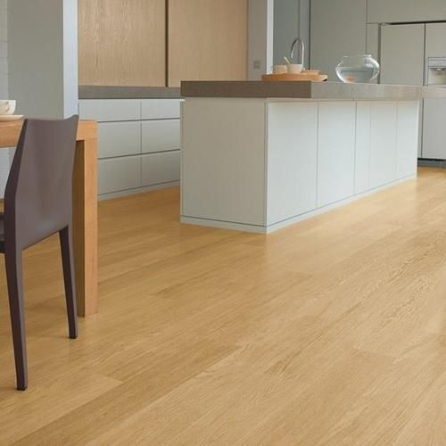Wood Quickstep Natural Varnished Oak Laminate Flooring, 8 Mm