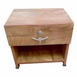 Modern Side Table, Size: 1.5 X 2 Feet