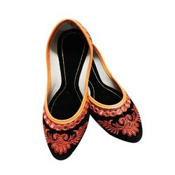 Party Wear Ladies Fashion Embroidered Mojari, Size: 7-12
