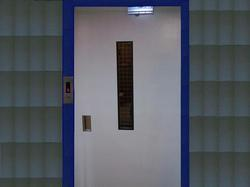 MS Swing Door Lift