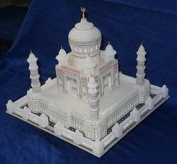 Handicraft Taj Mahal sculpture