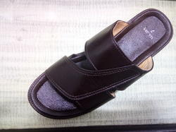 Leather New Mens Chappal, Size: 5 - 10, 194-961