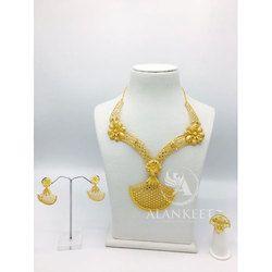 Stylish Short Necklace Set