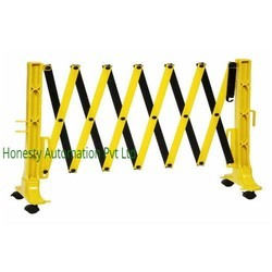 Plastic Expandable Road Barrier With Wheels