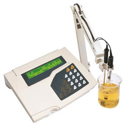 Eutech Bench Conductivity Meter