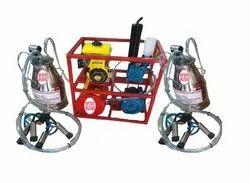 Double bucket milking machine with engine