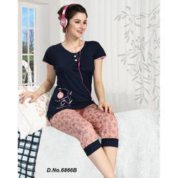 Ladies Printed Nightwear Capri Set, Size: XL