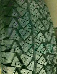 Maruti Gypsy King的地形轮胎