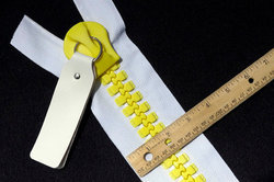 No.30 Plastic Zippers