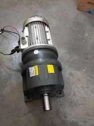Three Phase In Line Helical Geared Motors, 220-415 Volts