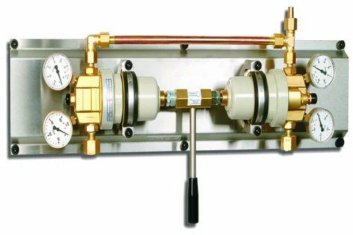 Oxygen Nitrogen and Hydrogen Cylinder Manifold