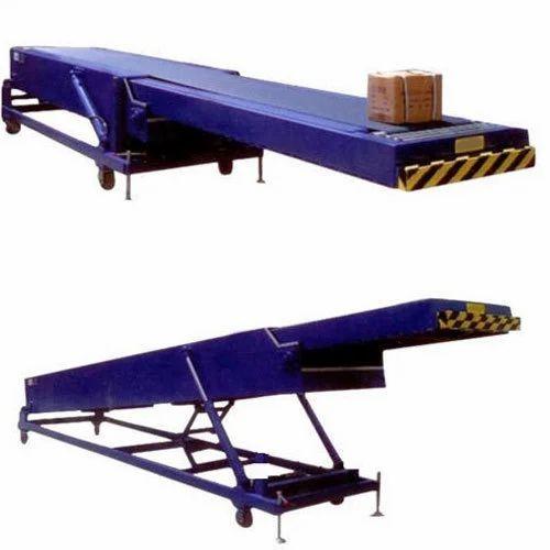 Material Handling Conveyor And Melting Furnace