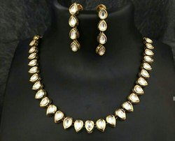 Wedding Wear Delicate Kundan Necklace Sets
