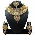 Golden Ladies Weeding Necklace Set, Occasion: Wedding, Packaging Type: Box
