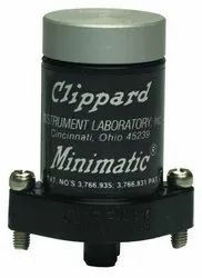 R-355 Clippard Dual 3 Way Pneumatic Valve