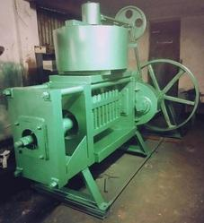 30 H.P. Single Chamber Standard Oil Expeller