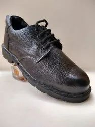 Rubber sole safety shoe