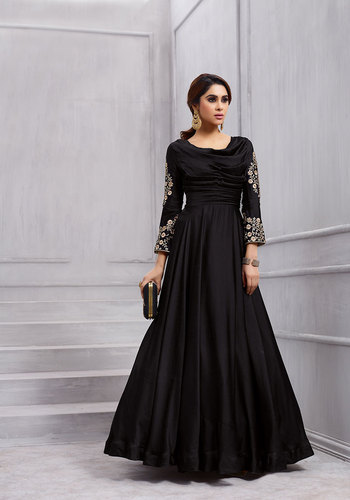 c2f414f838 Saree Exotica Sethnic Vardan 153 Gown Colours In Black Silk with Dupatta,  Age Group: