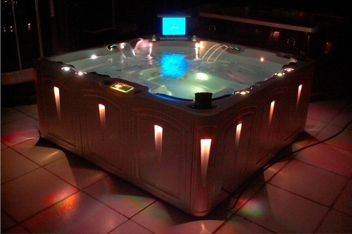 Marble White Steamers India Jacuzzi Spa Hot Tub Rs 650000